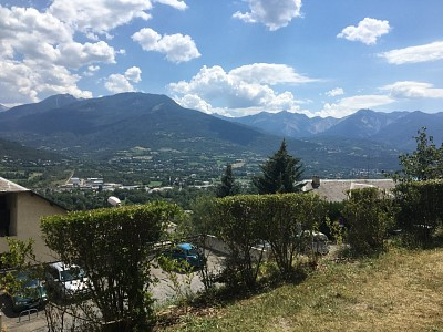 APPARTEMENT T2 + COIN NUIT A VENDRE - EMBRUN - 30 m2 - 87 200 €